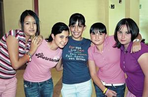 Luisa Estrada, Ana Luisa Soto, Paola Salinas, Cristy Baca y Araceli Carmona
