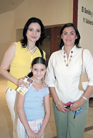 Marisol C. de Papadópulos, Marlene Papadópulos y Cecilia Franco de Garza
