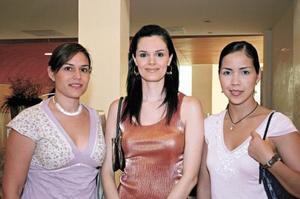 Karla Muñoz, Cecilia Monterrubio y Ale Guerrero