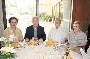 Maruca Villalobos de Papadópulos, José Guadalupe Galván, Braulio Fernández Aguirre y Lucía Aguirre de Fernández