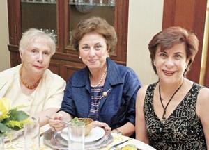 Dolores Díaz Rivera de Solley, Minerva Martínez de Villarreal y Eva María Maisterrena de García