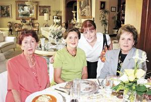 Walda Elisa Alvarado, Cristina Murra de Fernández, Liliana Fernández Murra y Leonor Zertuche de González