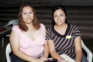 Esmeralda Robles y Laura Palacios.