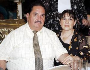 Mario Aguado y Martha de Aguado.