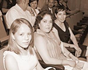 Diana Stefania Vazquez, Diana Sanchez y Rosario Gallegos.