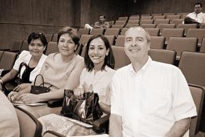 Elisa Castaño, Lupita Calderon, Patricia Villalobos y Robert Voling.