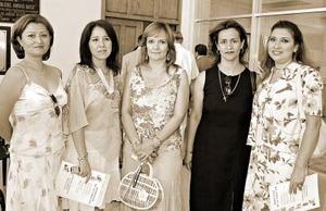 Eva Miriam, Silvia Moctezuma, Laura Zapata, Josefina Piñera y Elvira Izaguirre