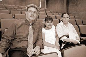 José Luis Jaramillo, María Fernanda Jaramillo y Juanita Miramontes.