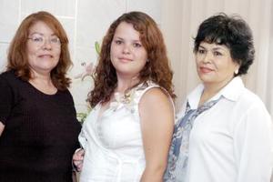 Melody Melissa Stephens Echeverría fue despedida de su vida de soltera, con un convivio que le  organizaron Juanita Puente y Estela de Echeverría.