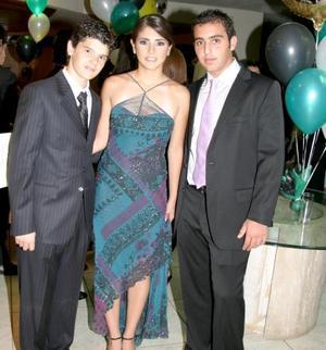 Francisco Rebollo, Mariana Flores y Raúl Garza.