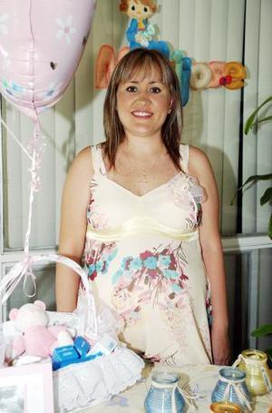 Karla Contreras de Gutierrez disfrutó de una fiesta de canastilla, para el bebé que espera.