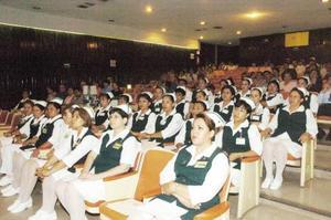 La generación de Licenciados en  enfermería y obstetricia del IMSS 16.