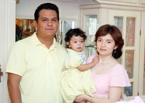 Con alegre convivio infantil, Fátima Catalian Pacheco Sánchez fue festejada por sus papás, Luis Arturo Pacheco Delgado y Catalina Sánchez Jáquez, por su segundo cumpleaños.