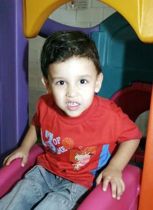 Sebastián Silveyra Ávila, en reciente convivio infantil.