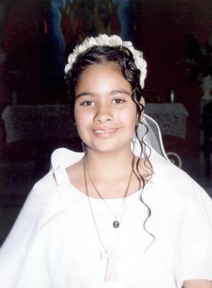 Brenda Fernanda Llamas Piñera, captada el día de su Primera Comunión.
