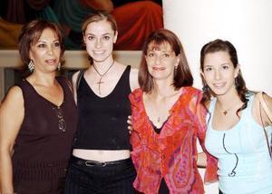 Dora Batarse de Nahle, Babbie Sue Batarse de Sánchez, Becky Moore Riveroll y Bárbara Valdepeñas.