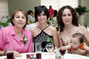 Gaby Ramírez, Laura Calleja de Anaya, Cinthya de Pámanes y Victoria  Pámanes, en reciente festejo.