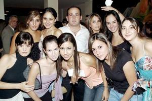 Gaby, Mayté, Mónica, Cristy, Lorella, Silvana, Paty, Marytere, Claudia y Carlos.