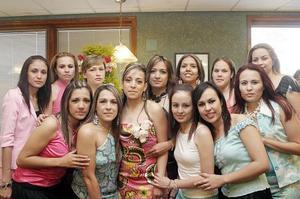 Ileana Galaviz Calderón disfrutó de una despedida de soltera, a la que asistieron numerosas invitadas para felicitarla.