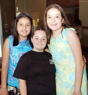 Diana Laura López, Ana Karla Papadópulos y Michelle Moreno.