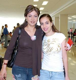 <b>29 de junio</b><p>  Luisa Pérez y María Luisa Berrueto viajaron con destino al Distrito Federal.