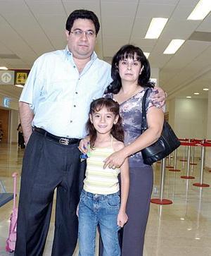 Jesús, Patricia y Linda viajaron a la Ciudad de México.