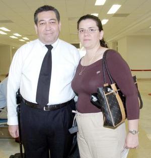 <b>30 de junio</b><p>  Simon Vargas y Ana Cristina de Vargas viajaron al Distrito Federal.