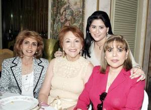 Caty de Zreik, Nancy de Kuri, Moma de Herrera y Vilma de Espinoza.