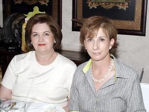 Cristina de Morales y Monserrat Murra.