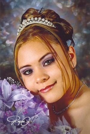 Srita Paola Patricia Rojas Montoya, en una fotografía de estudio con motivo de sus quince años de vida.