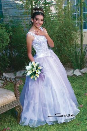 srita Araceli Itzchet González García festejó sus quince años de vida con una misa de acción de gracias, ella es hija de los señores Juan Fernando González Pinal y Araceli García Amador.
