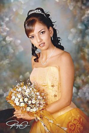 Srita. Mirna Janeth Guevara González, celebró sus quince años en fecha pasada.