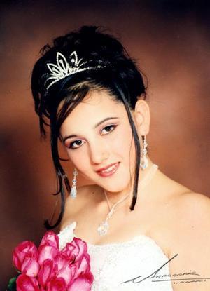 Srita.Liliana Flores Velázqies festejó sus quince años con una misa de acción de gracias.