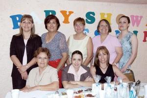 Judith, Rocío, Sonia, Mayela, Conchita, Mayela, Georgina y Margarita, en reciente festejo.