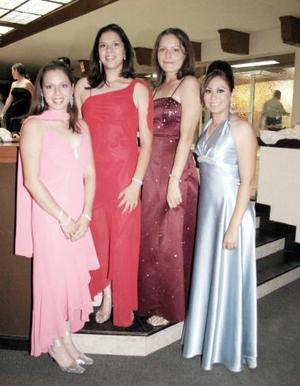 <b>01 de julio 2005</b><p> Nayeli, Myrna, Leslie y Karen Michel.