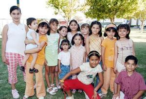 Ana Luisa, Mónica y Carla Martínez Sánchez fueron festejados por su noveno, séptimo y cuarto cumpleaños, con un convivio organizado por sus padres.