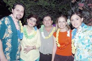 Pato Zermeño, Laura de Zermeño, Luis Maeda, Reyna de Maeda y Laura Zermeño.