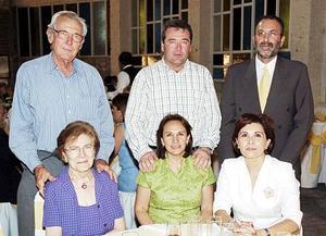 Carlos Sánchez, Marli Russek de Sánchez, Pilar Moreno de Sanchez, Óscar Russek, Paty  Escobar de Garza y Gerardo Garza.