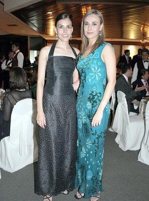 Daniela de Silveura y Marile Ávila García.