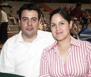 Alejandro Arzate y Alma Campos de Arzate.