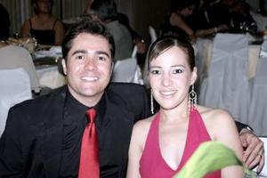 Gustavo Domínguez Veytia y Marysol Taboada de Domínguez.
