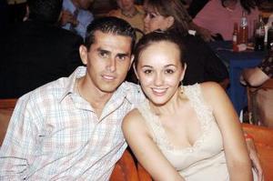 Luis David Cepeda y Ella de la Garza.
