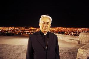 En el cerro de las Noas se organizó una cena para festejar el 40 aniversario de la ordenación episcopal del Obispo de Torreón, don Guadalupe Galván Galindo.