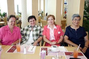 May Gil de Máynez, Yolanda A. de Echeverría, Oly Michel y Rebeca de Nahoul .