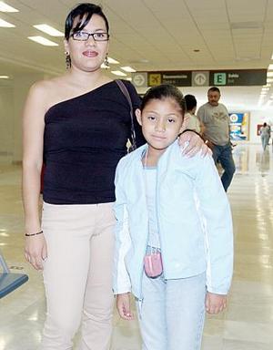 Julie Santibáñez y Samantha Salas viajaron a Los Ángeles.