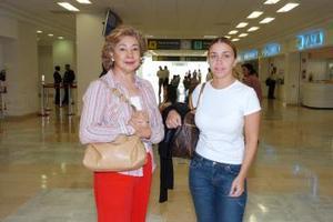Ana Negrete y Ana Velásquez vijaron con destino al Distrito Federal.
