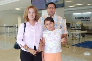 Jesús, Angélica y Angie Martínez viajaron con destino a Guadalajara.