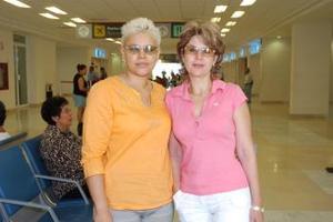 Martha y Patricia Reséndiz viajaron con destino a los Ángeles, California.