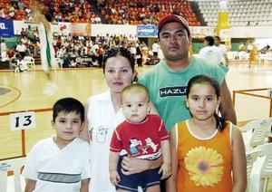 Jorge Alberto Muñoz, Claudia  Martínez de Muñoz, Jared Alberto, Gerardo Armando y Claudia Fernanda Muñoz Martínez.