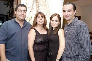 Irma Iveth Serna Peña y Rafael Serna Campos disfrutaron de una despedida de solteros que les organizaron Ana Cristina de Serna y Óscar Serna, ya que el próximo sábado nueve de julio contraerán matrimonio.